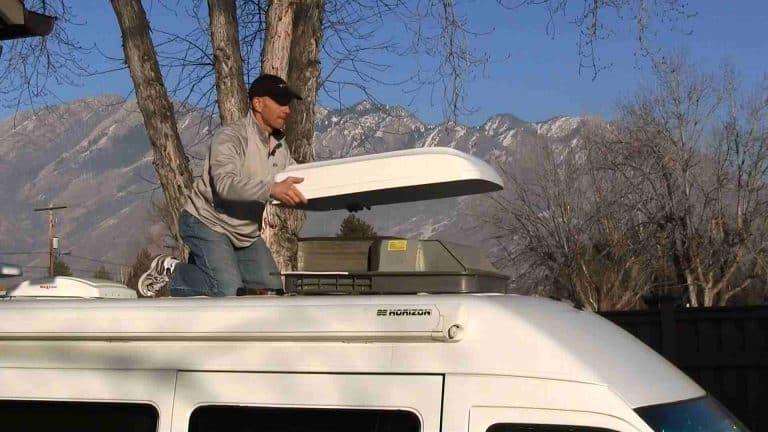 5000 BTU RV roof air conditioner 1